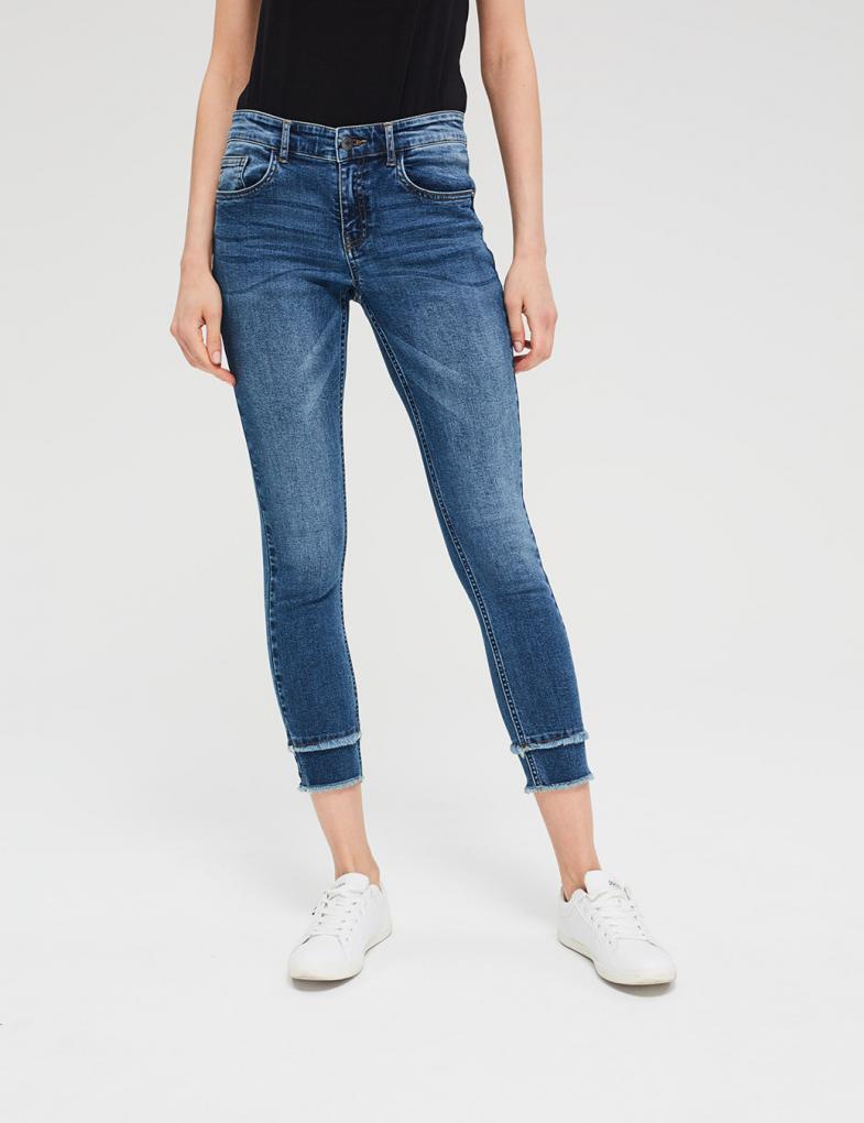 c51ba385477bb9 Spodnie damskie: moro, joggery, khaki, jeansowe, z dziurami - sklep ...